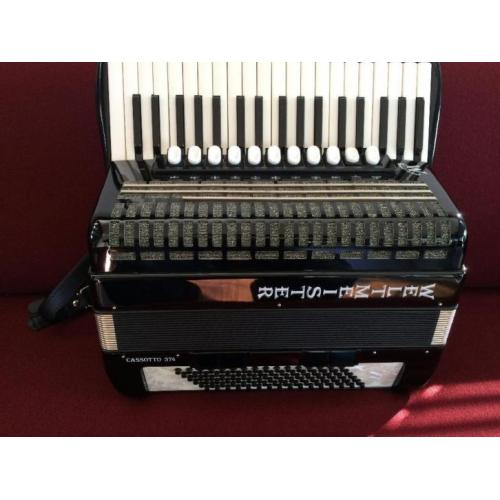 Z.g.a.n. duitse Weltmeister Cassotto 374 accordeon . 96b