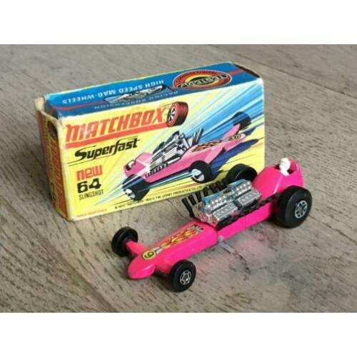 Lesney Matchbox Superfast 64 – Slingshot Dragster roze