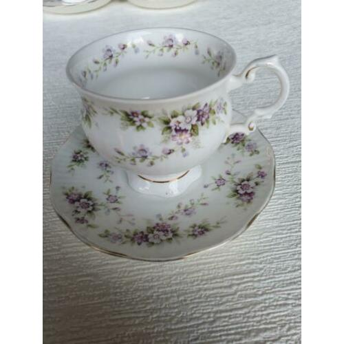 Chantilly elisabethan fine bone China england